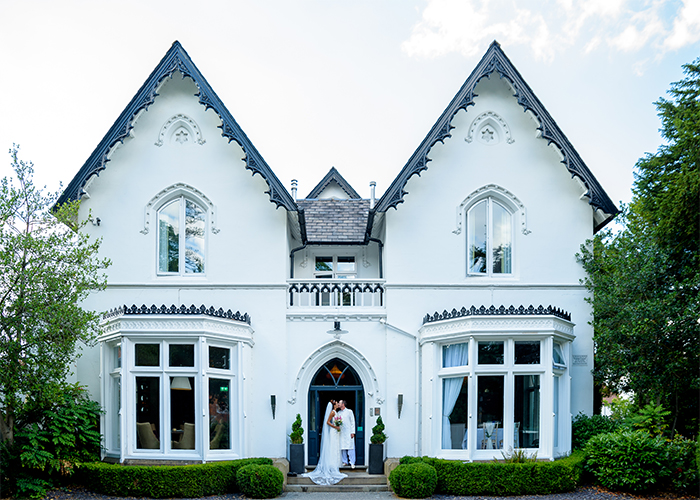 Manchester wedding photographer at Didsbury House